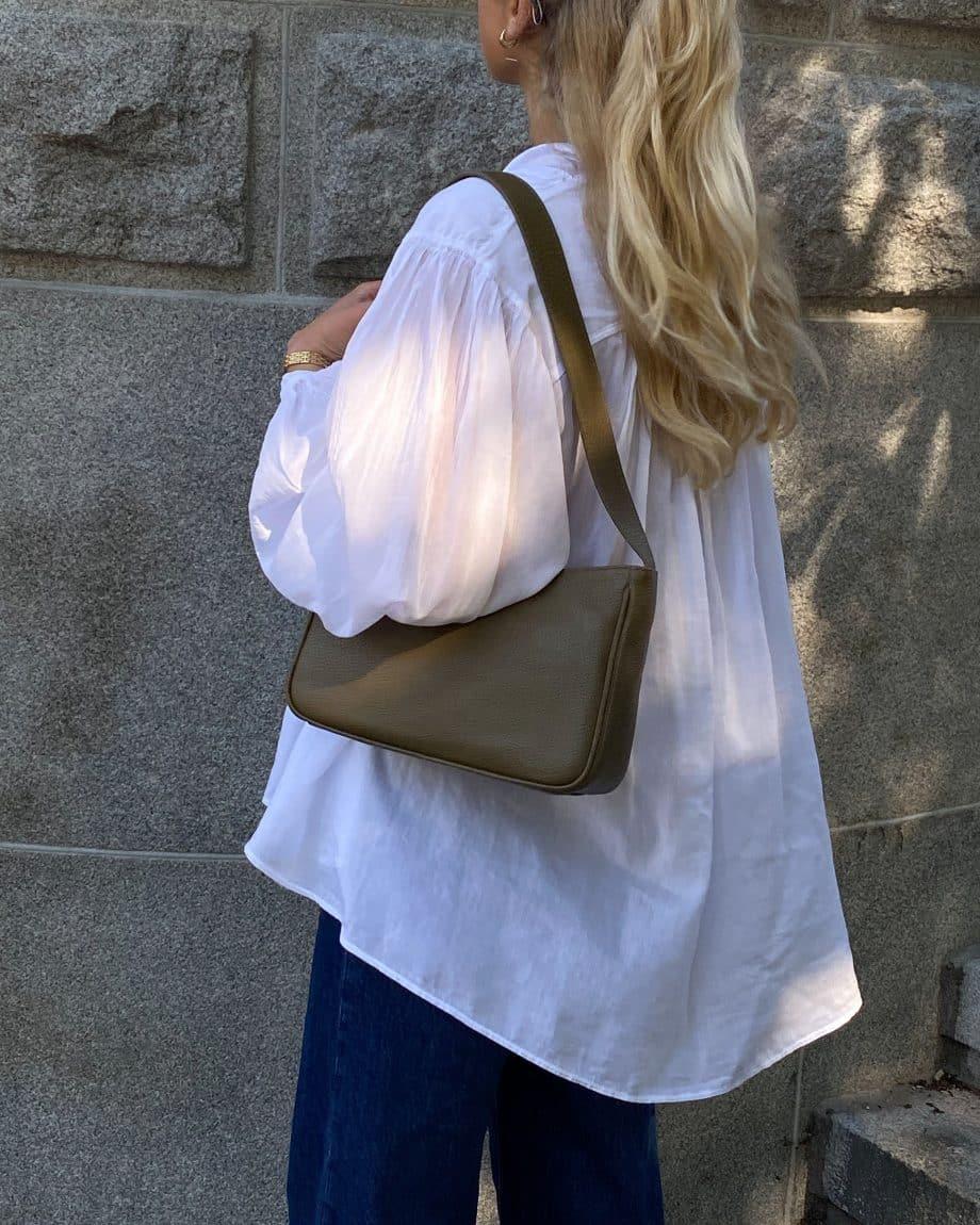 129492 ADAX Amalia Cormorano Shoulder Bag olive lifestyle 2
