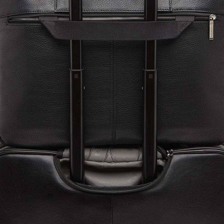 15 9466 PC-veske sort - detalj festes på koffert - Castelijn Beerens