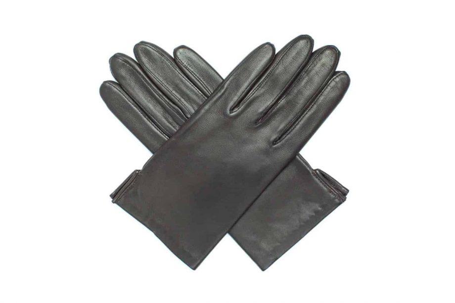 Vårhansker til dame i lammeskinn med nylonfôr, glatte, mørkebrune, hanskene i kryss sett ovenfra, artikkel 2-197