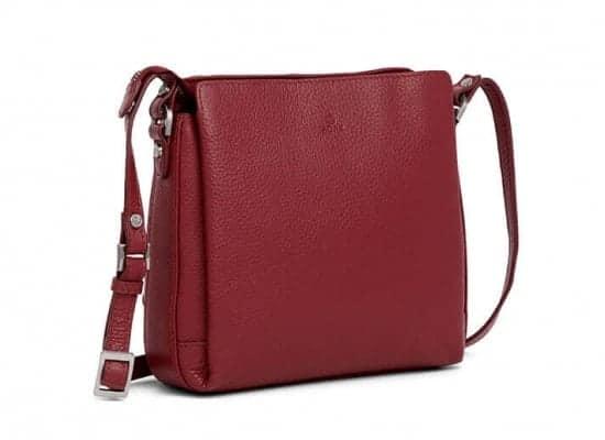 229892 ADAX Cormorano shoulder bag Sia - skulderveske - scarlet red - fra siden