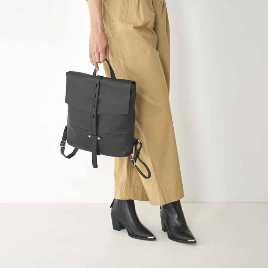 27 9814 Castelijn Beerens Gesso Back pack sort lifestyle
