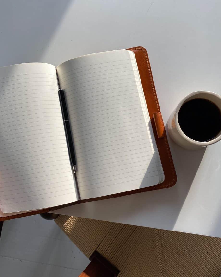 59 6050 Castelijn Beerens Notebook Cover A5 Cognac Lifestyle 2