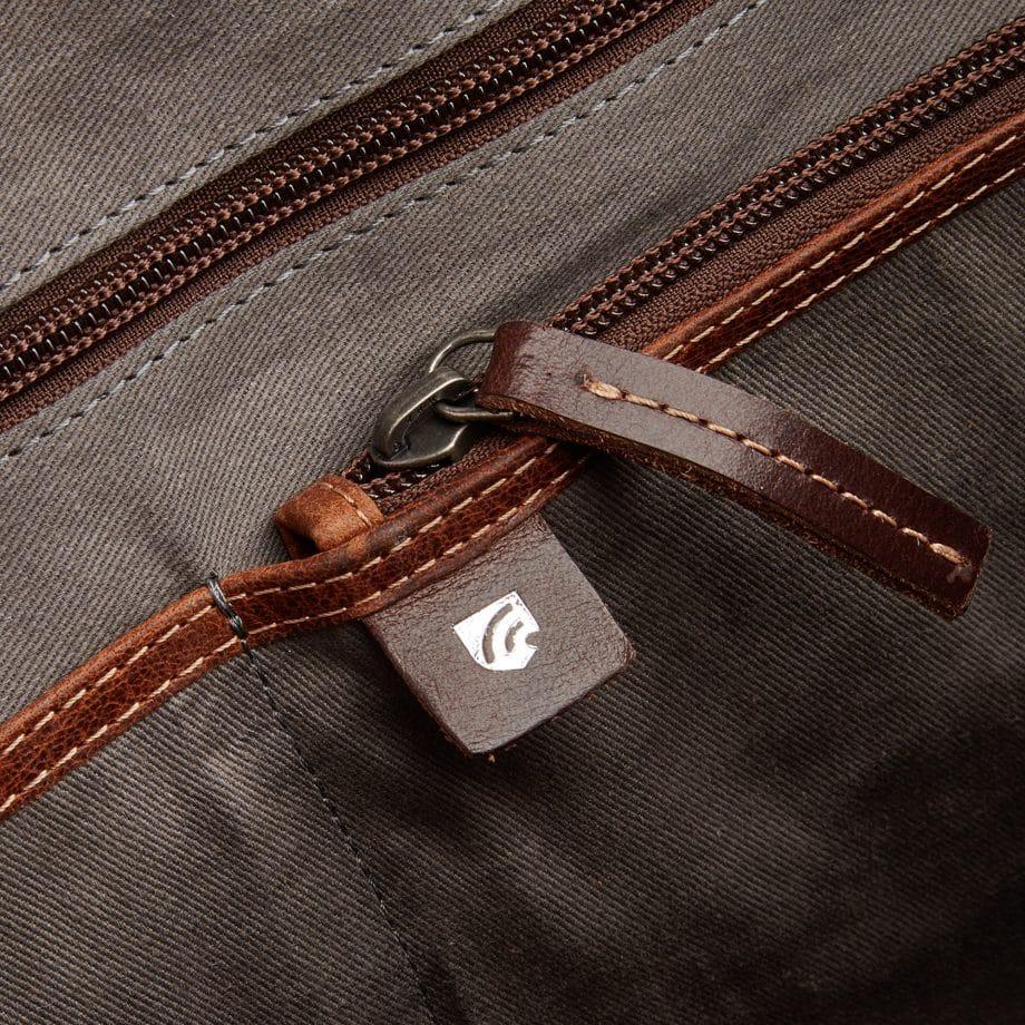 59 9479 Castelijn Beerens Rein laptop bag light brown detaljer 4