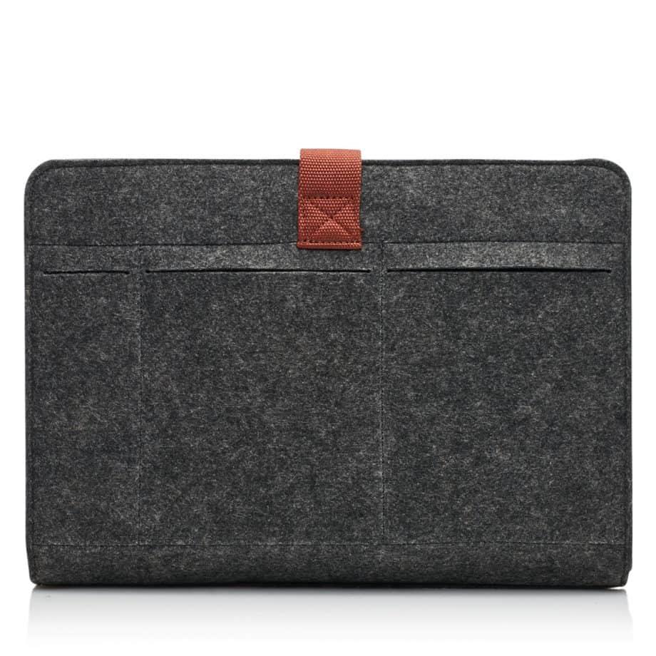 64 9678 Laptop Sleeve 15.6 light brown Bakside