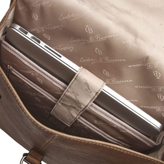 72 9575 Castelijn _ Beerens - Carisma - Laptop Backpack 15.6_ RFID - cognac open