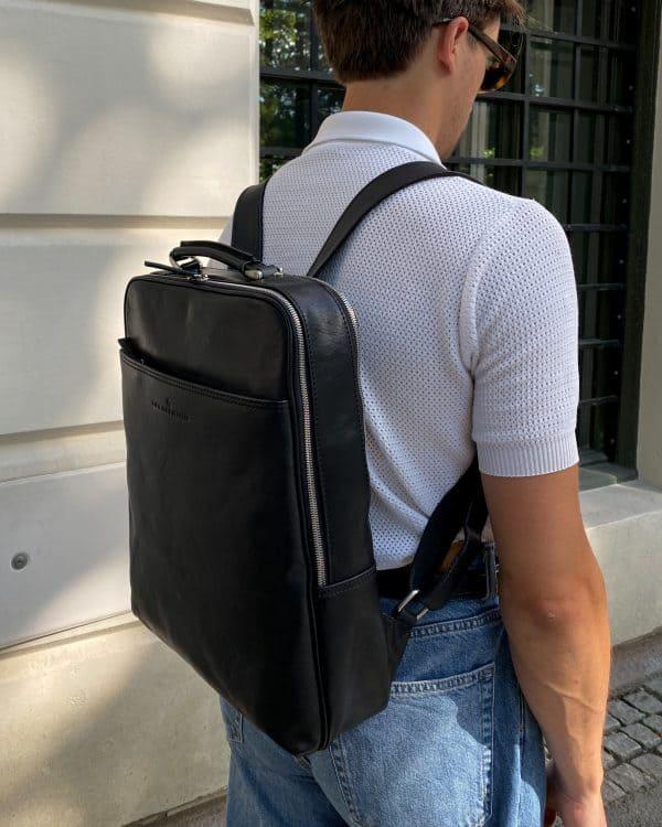 689576 Castelijn Beerens Verona Laptop Backpack 15.6 Sort Lifestyle