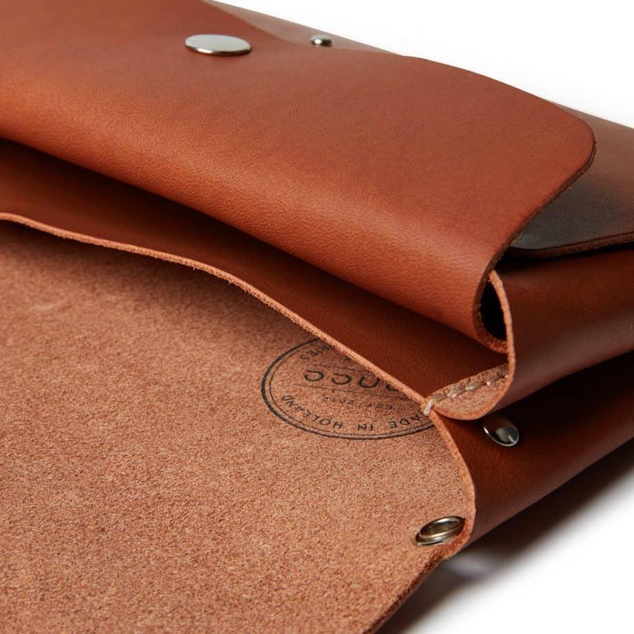 Castelijn Beerens Lily Smartphone Clutch Light Brown Detaljer