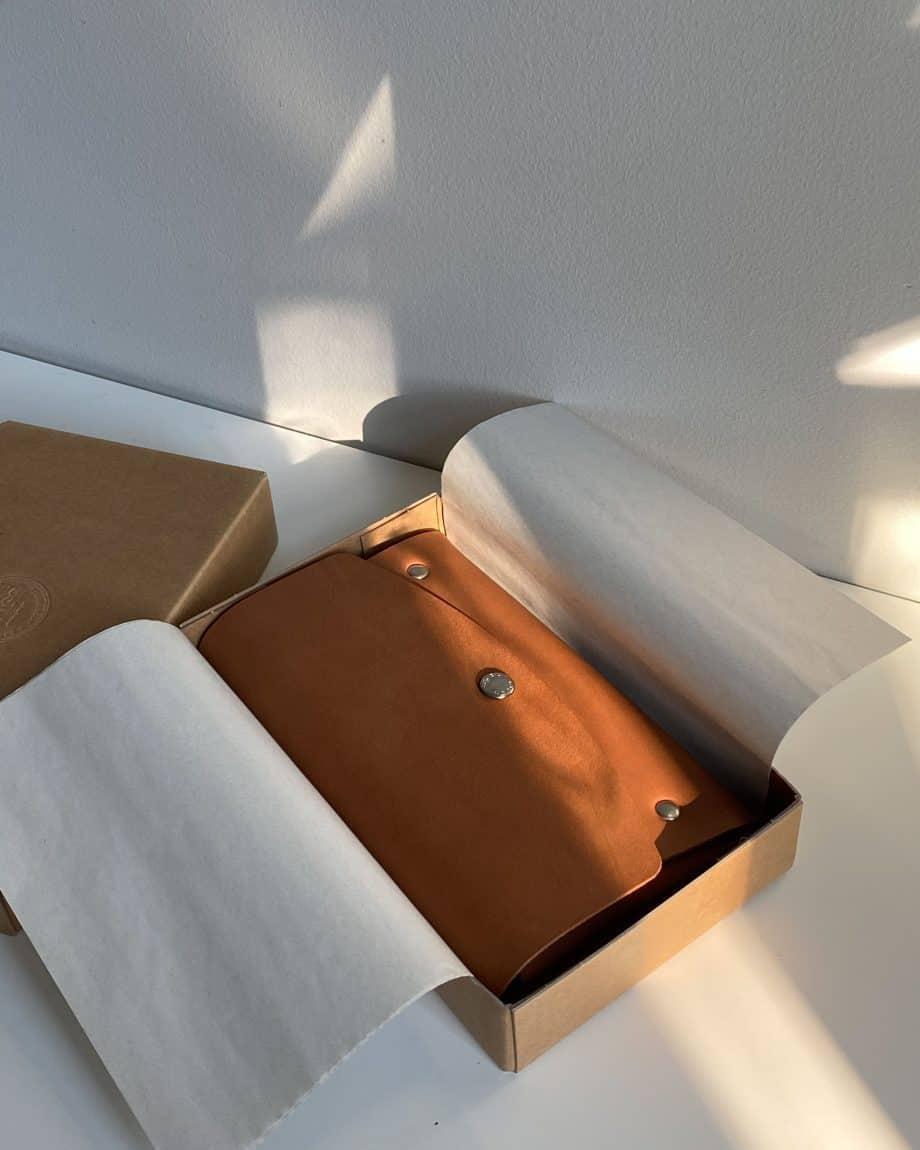 Castelijn Beerens Lily Smartphone Clutch Light Brown Eske