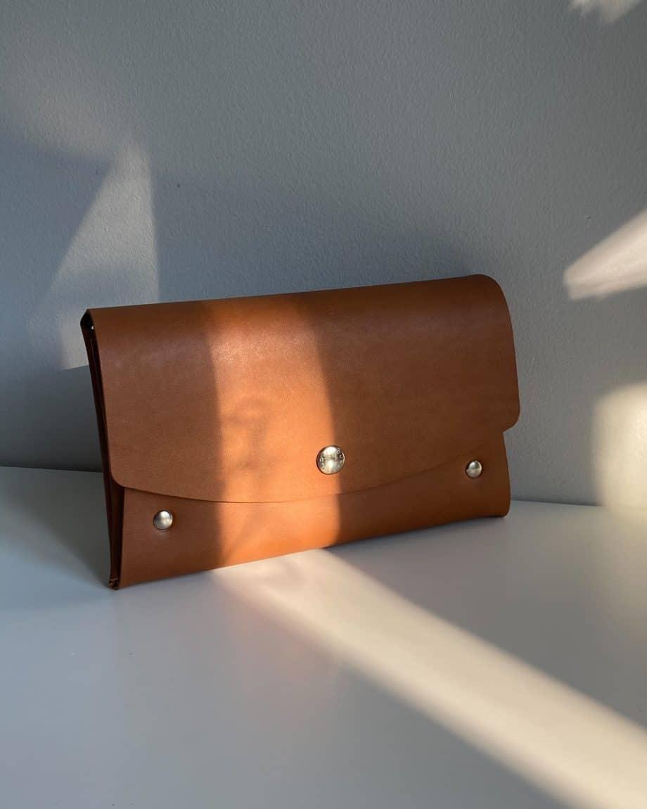 Castelijn Beerens Lily Smartphone Clutch Light Brown Forside 2