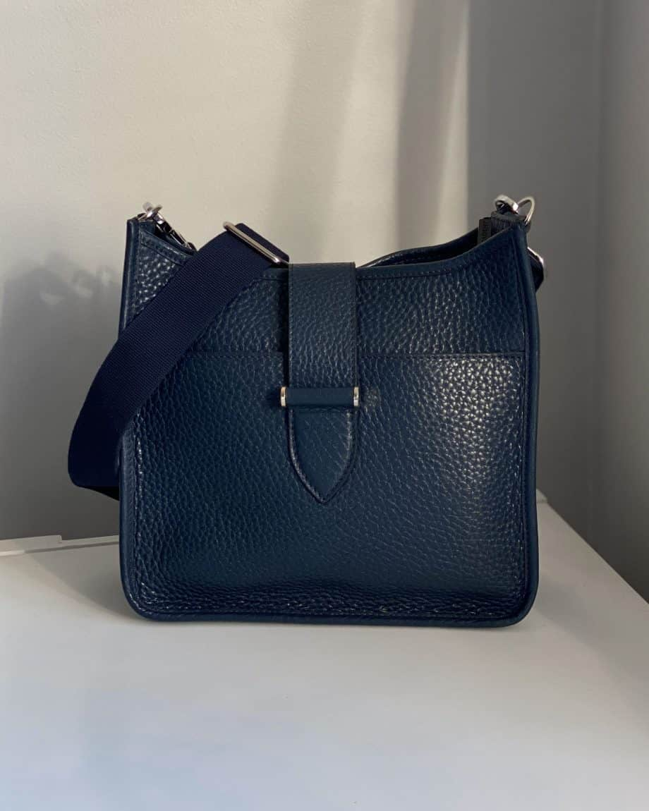 DE280 Decadent Bree small crossover navy forside