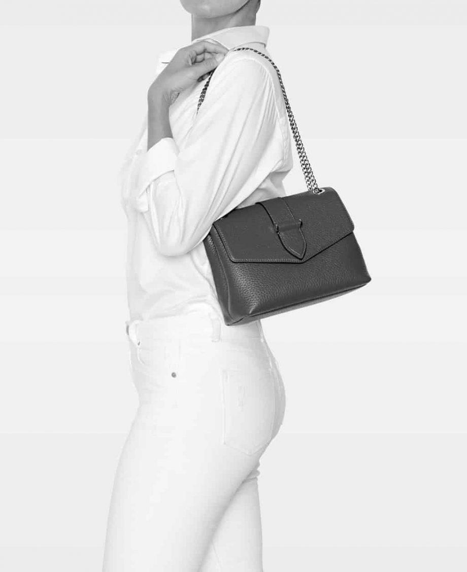 DE288 Decadent Maria medium chain bag modell