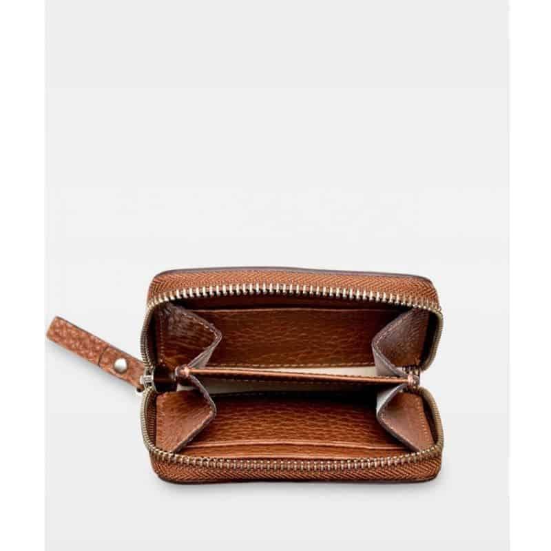 DE438 Essie Mini Zip Wallet cognac åpen