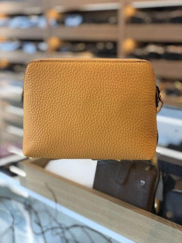DE502 Decadent Hannah makeup purse golden yellow forside