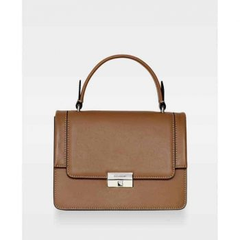 DE729 Mona small top handle Nappa Camel Forside