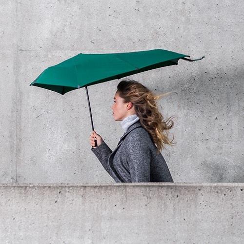 Senz velvet green paraply lifestyle