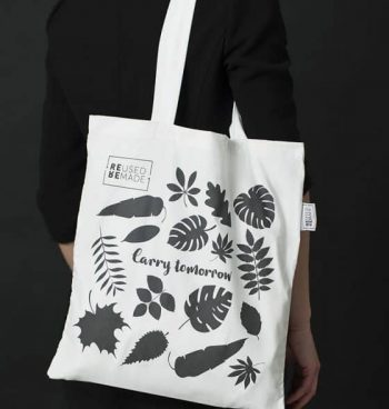 Tote Bag Mixed Leaves Modell